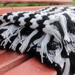 Patura crosetata alb negru folosind tehnica Granny in linie dreapta