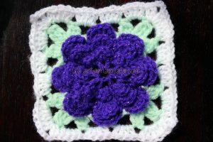 Cum se croseteaza un patrat in jurul unei flori de artamanuala.com